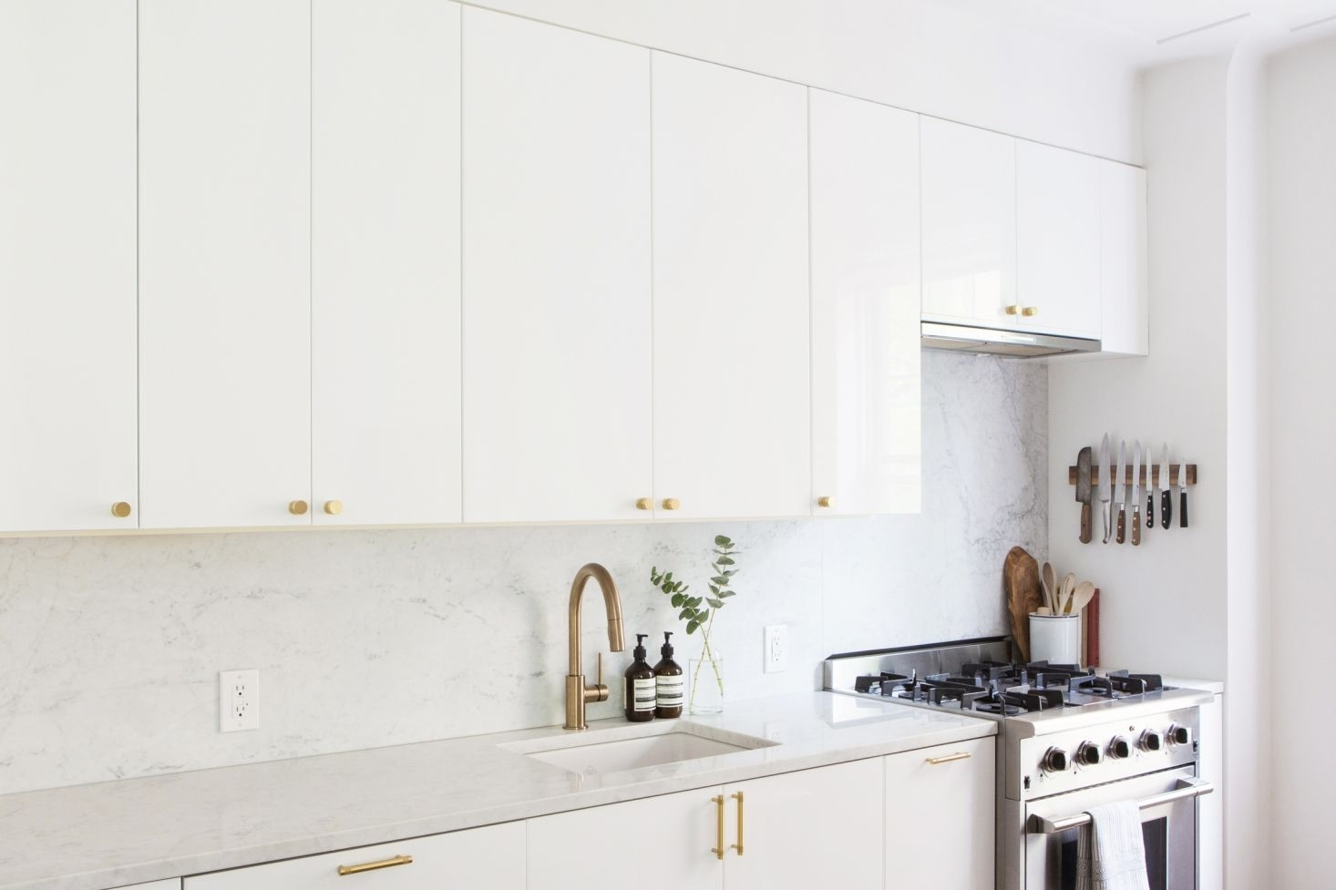 Kitchen Of The Week An Ikea Kitchen With An Elegant Upper Cabinet Solution  Remodelista