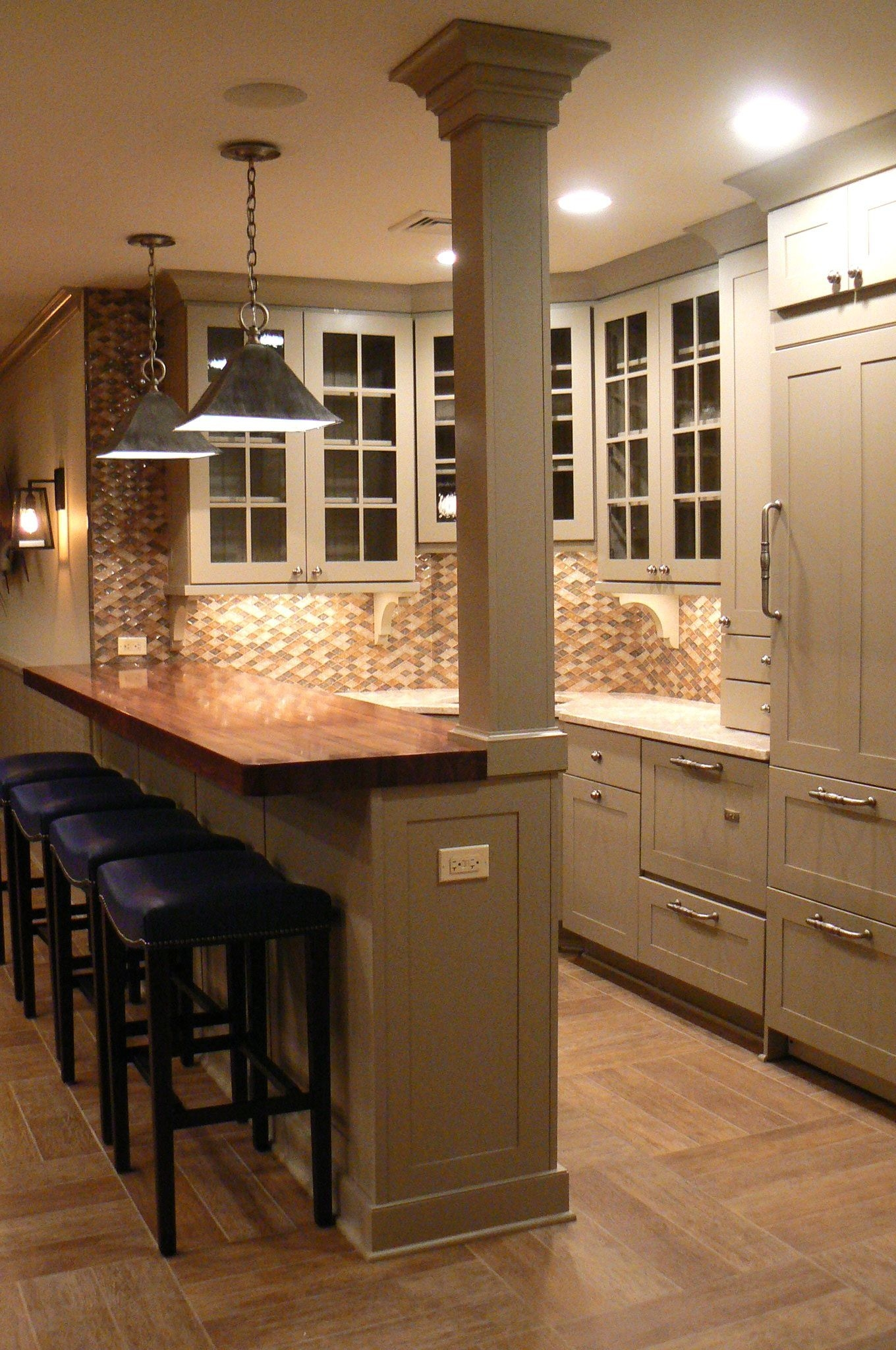 Like The Wood Bar Top And Colour Of Cabinets And Also Floor  Is That Hardwood Or Tile