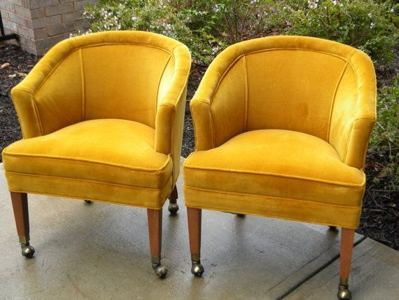 Pair Of Midcentury Barrel Chairs On Casters Inshopoldandnew 35000  Barrel Chair Chair